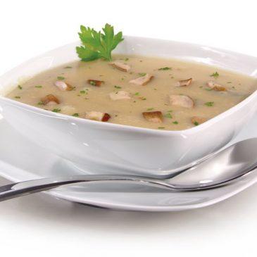 Sopa de cogumelos perfumada com tomilho fresco